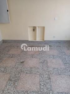 272 Sq Yards House For Sale In G10 Ideal Location
