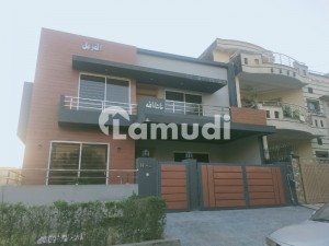 G13 2450 Square Feet House Up For Sale