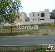 Prime Location Plot Between Modern Houses U 222 Available For Sale