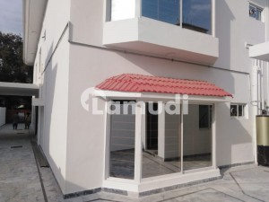 Brand New 5 Bedrooms House For Rent