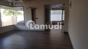 1000 Yards Brand New Bungalow Available For Rent