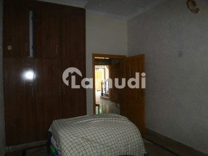 Ideally Located House Of 5 Marla Is Available For Rent In Ghauri Town