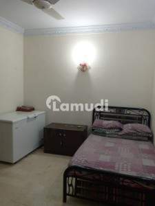 900  Square Feet Spacious Flat Available In Manzoor Colony For Sale