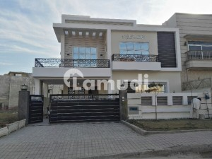 10 Marla Brand New House With Gas Available For Rent