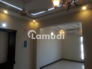 4 Small  Family  Lucky House  With 2 Ac