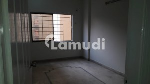 Flat Of 900  Square Feet In D.H.A For Rent