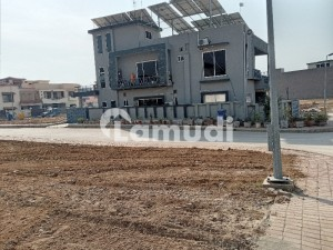 Bahria Town Phase 8 10 Corner With extraland Hight location Valley View Plot urgent For Sell with pass and utality Charges paid Its ideal for Home and investors purpose