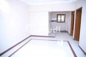 3 Bed Dd Ground Floor Available For Rent