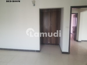 Open View 10 Marla 3 Bed 4th Floor Flat For Sale In Askari 11 Lahore With Gas