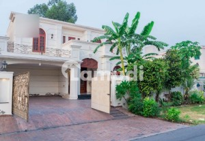 1 KANAL UNFUNISHED LUXURIOUS HOUSE AVAILABLE FOR RENT IN DHA PHASE 6