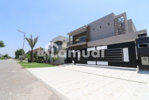 Kanal Luxurious House For Sale Situated In Dha Defence Phase 6