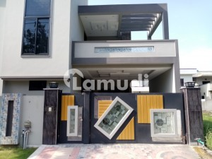 House Sized 1 Kanal Is Available For Sale In DC Colony