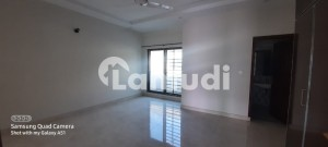 A1 CONDITION FLATS AVAILABLE FOR RENT