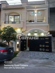 2160  Square Feet House In Central Gulistan-E-Jauhar For Sale