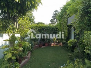 1 Kanal Owner Build Slightly Used Bungalow For Sale At Excellent Location Of Phase 4 DHA