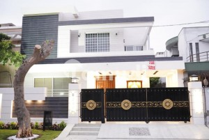 10 Marla With Basement And Theater Modern Design Luxury Bungalow For Sale