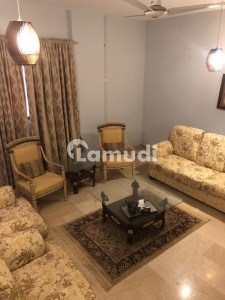 Dha Defence Flat Sized 1800  Square Feet For Rent