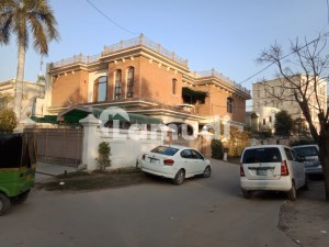 Building Available For Sale In Gulberg
