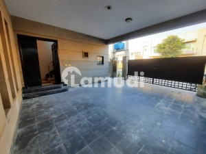 A1 Condition House Available For Rent