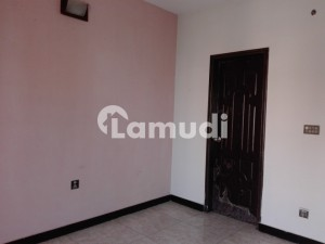 In Izmir Town Upper Portion For Rent Sized 1 Kanal