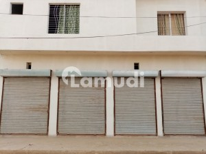 Building Of 833  Square Feet Is Available For Sale