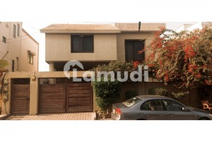 Well Maintain 500 Sq Yards Proper 4 Unit Bungalow Best For Big And Joint Families For Sale In Phase 6
