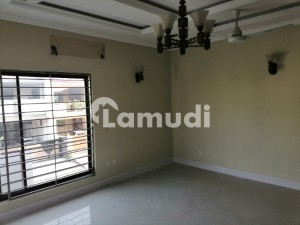 E 113 multi 11 bed 3 unit house 3 bed ground floor  4 bedroom first floor 4 bedroom in basement each portion store room servant laundry meter gas electric saprate  near to masjid market