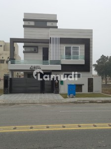 10 Marla Brand New  House 80 Ft Road For Sale In Central Block Phase 1