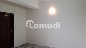 Flat In Chakri Road Sized 850 Square Feet Is Available