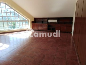 E7 1000 square yards fully renovated house for rent