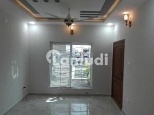 10 Marla House Is Available For Rent