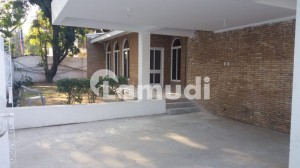 2 Bed Ground Portion On Rent Prime Location Of E7