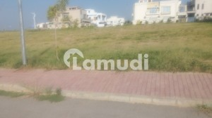 10 Marla Residential Plot No 825 Corner Possession And Utility Paid Available In Sector F 1