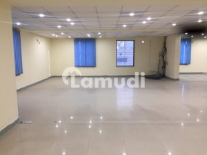 4500 Sq Ft Corporate Office In Brand New Condition Near Kalma Chowk Gulebrg