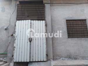 Buy A Centrally Located 2.5 Marla House In Jhang Road