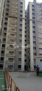 1750  Square Feet Flat Is Available In Affordable Price In Jinnah Avenue