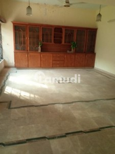 1 Kanal House For Rent On Main Road