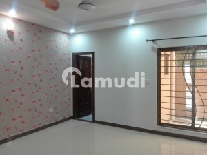 Stunning 2800 Square Feet House In Media Town Available