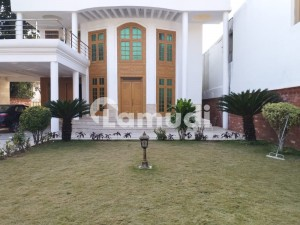 F6 Renovated 6 Bedrooms Full House Available For Rent