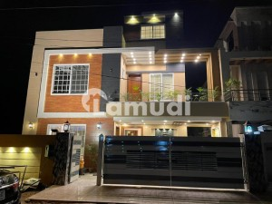 Excellent Location 10 Marla Brand New House Avaliable For Sale In Jasmine Block
