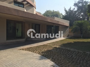 Cantt Estate Offers 32 Marla General Villa For Rent In Sarwar Colony Lahore