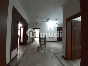 Ground Portion With 3 Bedrooms For Rent In G-10/4