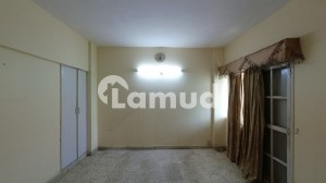 1800 Square Feet Flat Ideally Situated In Gulistan-e-Jauhar