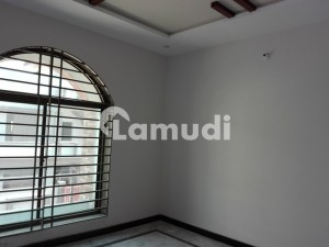 8 Marla House Situated In Bahria Town For Rent