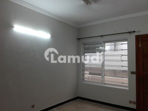 Upper Portion In Bahria Town Sized 10 Marla Is Available