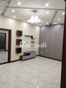 Allama Iqbal Town Upper Portion 10 Marla 3 Room With Attached 3 Washroom Tv Launch  Kitchen Car Parking