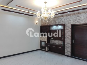A Palatial Residence For Rent In Wapda Town Wapda Town Phase 1 - Block K3