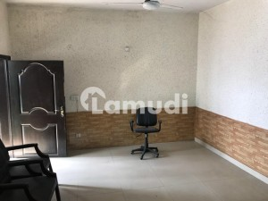 3375  Square Feet Warehouse In Johar Town For Rent