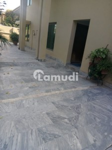 600 Sq Yards Triple Storey Corner House For Sale In G 10 2