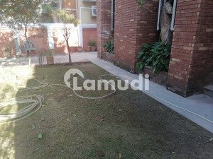F 11 Double Storey House With Basement 5 Beds 2 Kitchens Rent 190000